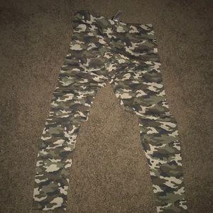 Camo leggings